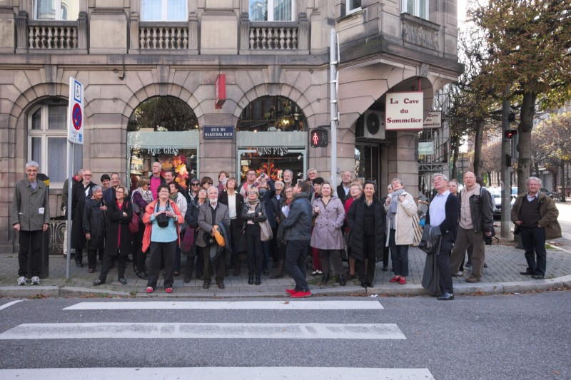 Strasbourg, les membres de l'AAMEN rue Foch