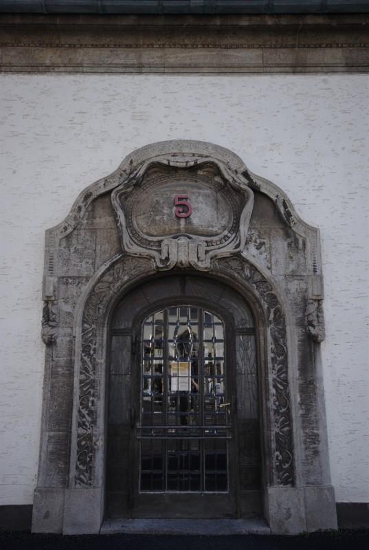 Badehaus 5, la porte